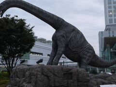 駅前に戻ってきました。福井といえば恐竜ですね。