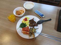 am7:00 ホテルで手作りの朝食を頂く。
