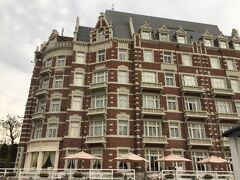 お目当てのホテルが見えてきました。 今夜の宿泊はホテル・ヨーロッパです。