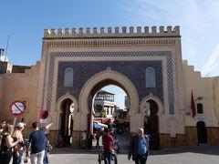 そしてブー・ジュルード門からメディナに入っていきます.