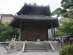 ●東長寺@地下鉄祇園駅界隈  六角堂です。 毎月28日に御開帳。 内部にある六角形の仏がんは回転式になっています。