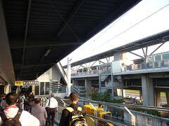 沙崙駅ま横には、高鉄(新幹線)の台南駅が隣接れています。モスバーガーがあったので、ここで朝食!台南空港からのバスターミナルもありました、次回の台湾旅があれば、これは使えるかも!