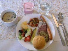7:00ホテルで朝食