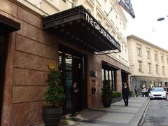 今日のホテルはガラタホテルByソフィテルMギャラリー。場所はカラキョイのトラムヴァイに近く、新市街にもアクセスよい超便利な場所。