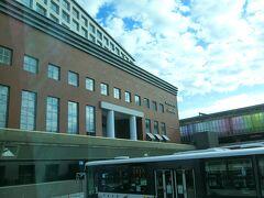 今夜の宿泊はホテル日航奈良です。 便利な駅前にあります。