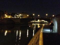 セーヌ川の河畔を走る