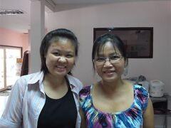 プラカノンは、タイシンスクエアの【スミタ カルチャーセンター】  タイ料理教室に参加したんですね~ 先生と助手(母娘でない)