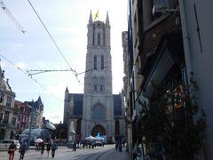 さらに進むと、聖バーフ大聖堂がある。 ブルージュの前にゲントに立ち寄ったのは、 聖バーフ大聖堂の「神秘の子羊」を見るためである。