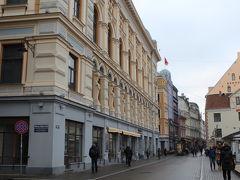 旧市街のほぼ真ん中に位置するKalku通り。