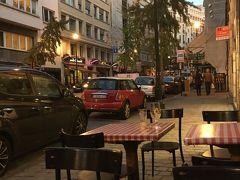日を改めて早めに来ました。 ベルギーの伝統料理が食べれるお店。   Nuetnigenough