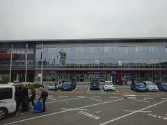 スロベニアの首都、リュブリャーナへ到着。 IST(6:55)→LJU(8:10)