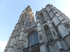 ノートルダム大聖堂です。 1352年に170年かけて建築されたゴシック式の大聖堂です。