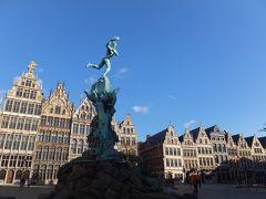 どうも私にはベルギーのギザギザの建物はツボらしい。 見ててテンションあがりまくり。