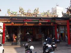 お次は天壇へ。 台南にはたくさんの廟があります。 こちらでもいつもの通りお参りをして。