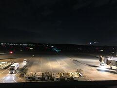 21時半発なのでターミナルも空いています。