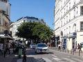 アベス広場から、今度はこれまた映画「アメリ」の舞台になった、アメリが勤めていた「カフェ・ド・ムーラン」へ行きましょう。