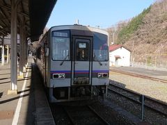 列車に揺られて備後落合駅までやってきました。