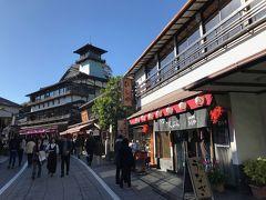 成田山の総門のすぐ手前にある鰻の老舗、ひしやへ。