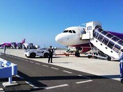 9月に続いてpeachで台湾!! ドピーカンの青空の中の桃色の機体が可愛すぎる!