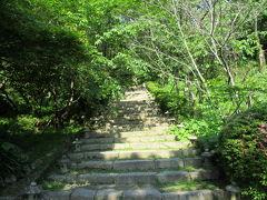 さーて、登山開始です。  高鍋城は平山城なので、山登りとなります。