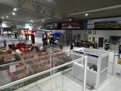 仏ビアリッツバイヨンヌ空港到着。