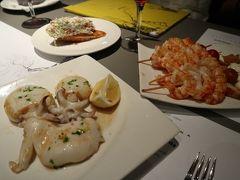 大人気店、Cerveseria Catalanaの小さなイカ料理!ここでイカ嫌いを克服した思い出…。