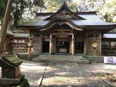 続いて、高千穂神社へ。創建は1900年も前だという由緒ある神社です。今日は土曜日ですが、そこまで混雑しておらず、ゆっくり参拝できました。