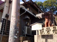 鳥居の下には備前焼の狛犬が(^.^)