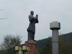 洛陽からバスで登封の少林寺へ。世界遺産「天地の中央」だ。