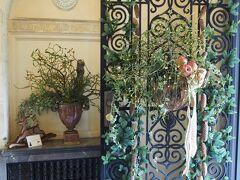 ベーリック・ホール 「ドイツ」のクリスマス飾り  玄関の飾りつけ