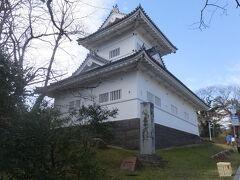 再び、るーぷる仙台にのり、次の停留所である博物館・国際センター前で降りて、大手門脇櫓と