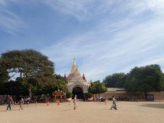バガンいち有名なアーナンダ寺院に到着 1090年建設