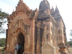 ローカテイパンは見過ごしてしまいそうな寺院 サービスで連れて行ってくれました 12世紀建設