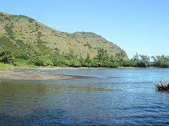 Halawa Parkに到着。 ポリネシア人がハワイで最初に住んだ場所という説も。  この後、来た道を戻る途中で妻が車酔いでダウン(*_*)