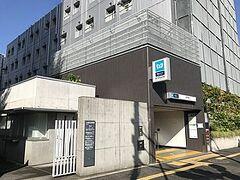 乗り換えなし、直通で西早稲田駅に着きました。  西早稲田駅から歩いてすぐの所に向かいます。