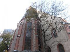 「ニコライ教会」 ライプチヒはドイツの東西交易の中心に位置する、商業都市でした。   商業の守護聖人「ニコラウス」にささげられた教会です。  「シュロの木」をかたどった列柱が美しいです。