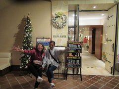 12月3日午後8時。 ホテル日航アリビラのノースウィングG階のカジュアルブッフェ・ハナハナでディナー。 ダイビングショップのお二人が一緒に来てくれました。