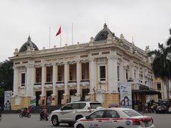 ホテルのお隣のオペラハウスです。