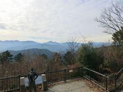 高尾山到着。薄雲が更に増えてきた、眺望を楽しむなら、矢張り早朝が良い。