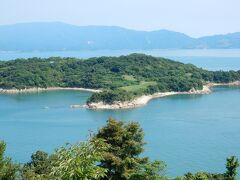 前島は小さな島でキャベツの栽培が盛んです。 1玉100円で売ってました。 ここではサイクリングを。