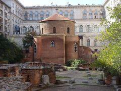 聖ゲオルギ教会 赤い煉瓦造りの、バルカン半島で最古のキリスト教聖堂