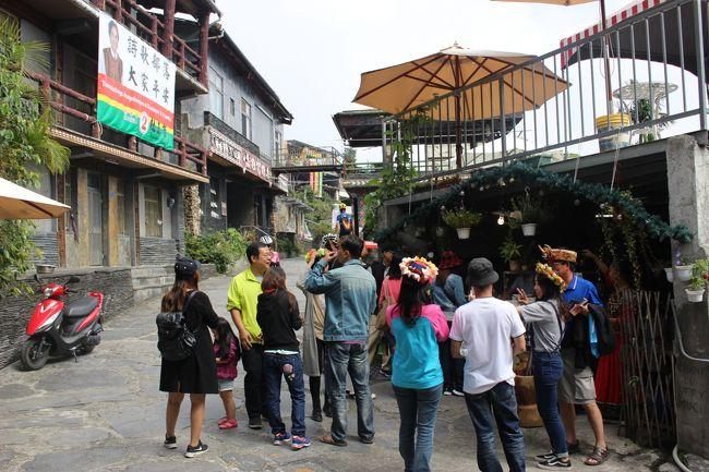 台湾人観光客。<br /><br />「愛玉が一番おいしい店」で有名なところでみんな楽しでました。