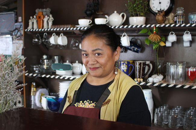 このお店のオーナー。おいしいコーヒーを入れてくれる。<br /><br />「おたくは猟師王なんだそうですね」といろいろ聞いていたら、店をほっぽって自宅を案内してくれた。