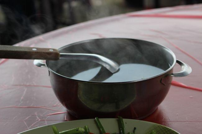 魚のスープ。<br /><br />台湾いると、熱いスープがたまらなく、ウマい。<br /><br />ご飯の4品合わせて、TWD480≒2000円弱。<br /><br />観光地価格かな。