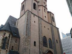 多分、聖ニコラス教会。  ライプツィヒは来る予定ではなく、飛行機がドレスデンまでは希望日で特典航空券では取れなかったため。そして本当は一旦エアフルトに行って、ライプツィヒ見るなら見てドレスデン。と思っていたけれど、雨降っていたので、エアフルトは諦めてライプツィヒを旅の最初のマルクト巡りに。 なので無計画。多分中心部だろう方向に適当に歩く。
