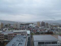 【出張8日目】 10月中に戻れず11月へ突入しました。この時期の山形の朝は霧が多い。
