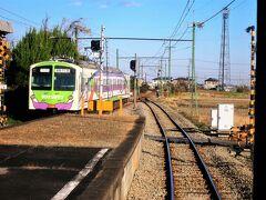 ・馬庭駅 500形(元西武鉄道・新101系)と行き違います。
