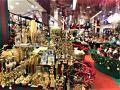 Central Chidlom(セントラル チットロム)  11月29日(木)  時節柄フロアー全体に クリスマスデコレーションがいっぱい!!