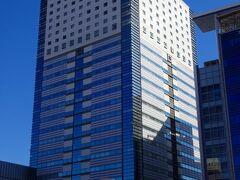 ホテルにチェックインします。  今年もホテルセンチュリー静岡です。  このホテルは20階前後以上の高層階がホテルになっていますから眺望抜群です。