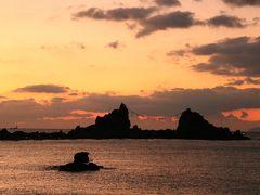 これが真鶴半島の三ツ石です。 時期によると思いますが、この三ツ石の間から日の出を撮れたら最高ですねー!